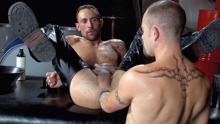 Matthieu Paris Gay Fisting 14